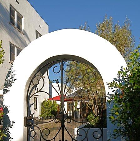Hotel Marisol Coronado: A peek through our garden gate....