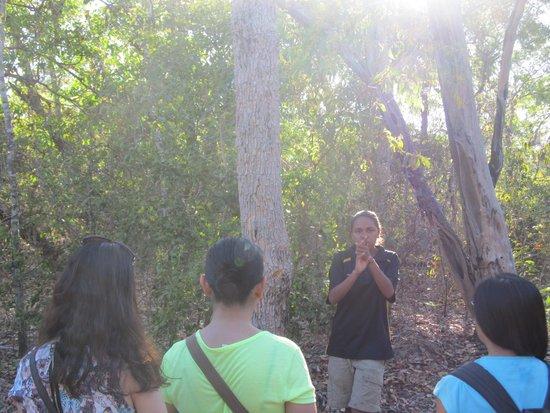Pudakul Aboriginal Cultural Tours: head water wash