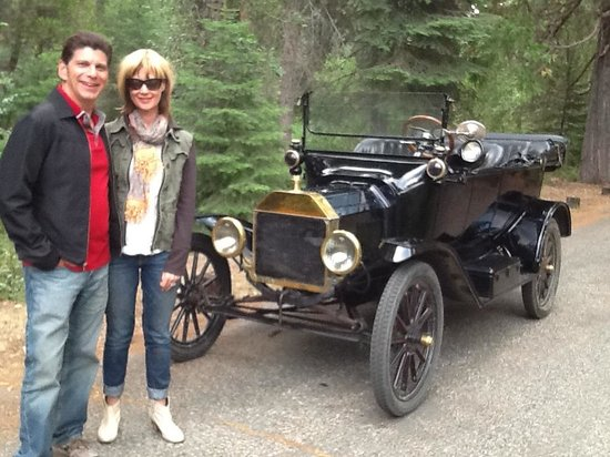 Tin Lizzie Inn: One of owners antique Model T's