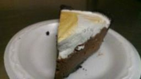 The Pottery Grill: Slice of Chocolate Pie