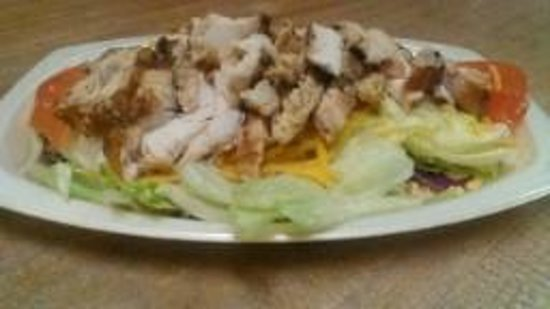 The Pottery Grill: Grilled Chicken Salad (Small)
