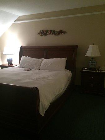 The Simsbury Inn: Room 336