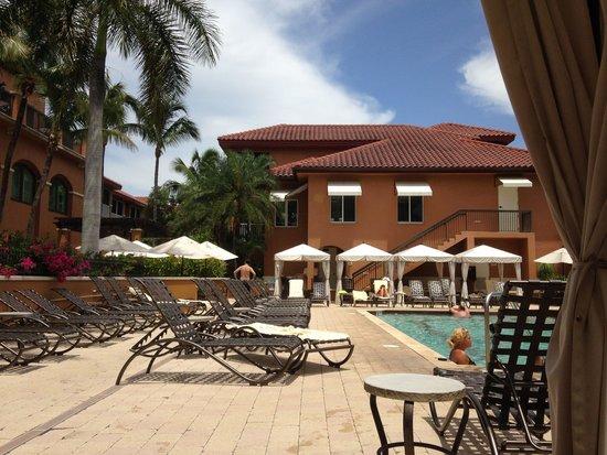 Bellasera Resort: Beautiful pool area
