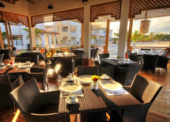 Hotel Weare Bayahibe: Restaurant close to the beach
