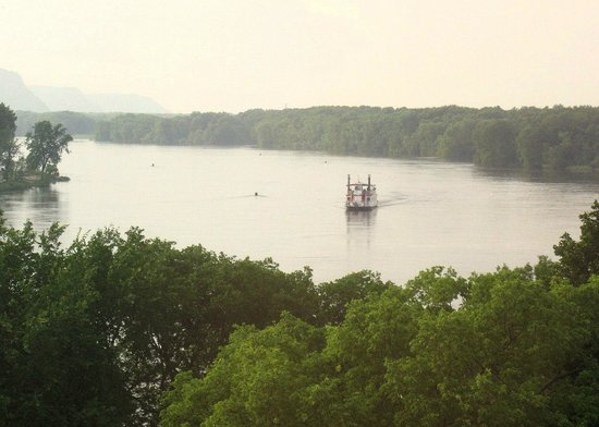 The La Crosse Queen: La Crosse Queen, taken from our room at the Radisson