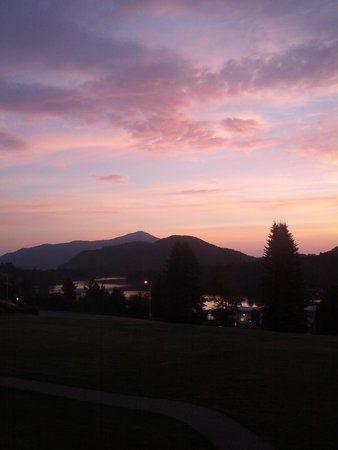 Crowne Plaza Lake Placid: sunrise