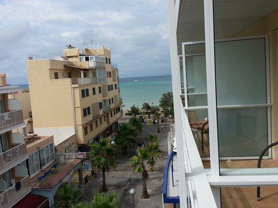 Hotel Hispania : Zimmer mit seitlichem Meerblick