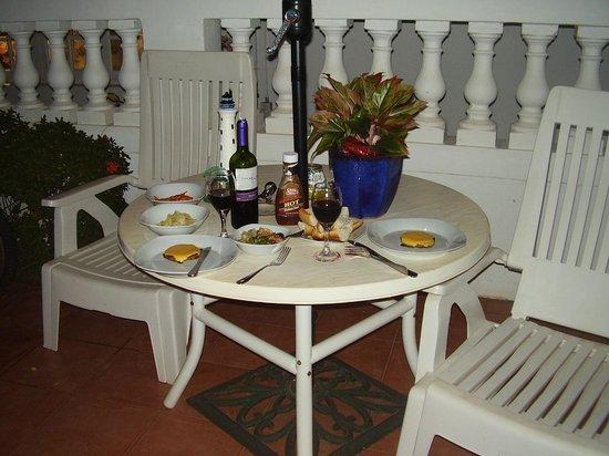 My Aruban Home: patio
