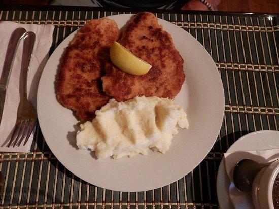 Heidi's Island Bistro: Wiener Schnitzel