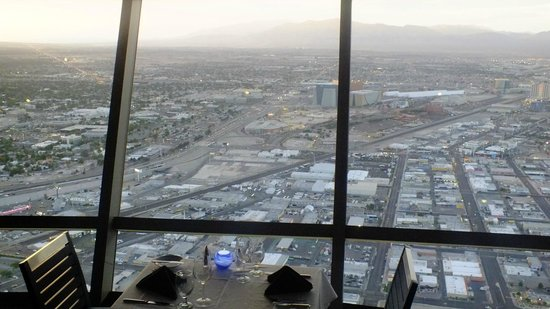 Top of the World Restaurant at the Stratosphere : Views again