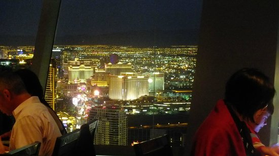 Top of the World Restaurant at the Stratosphere : Views:)