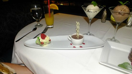 Top of the World Restaurant at the Stratosphere : Desserts again