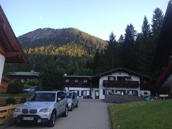 Pension Berganemone: View from the front
