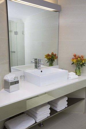 Novotel Sydney Olympic Park: Bathroom