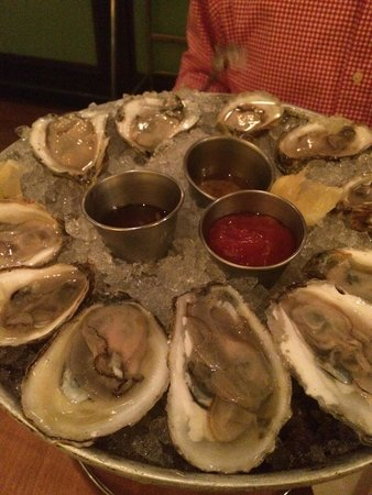 Pearl Restaurant & Oyster Bar: Oysters
