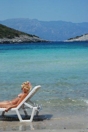Samos City Hotel: Livadaki beach 9 kilometers from the hotel, closest sandy beach