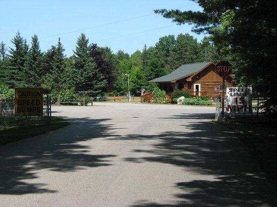 Barnes Park Campground: Park