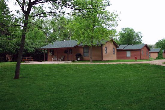Lake Park Campground and Cottages: Two Bedroom Cottage