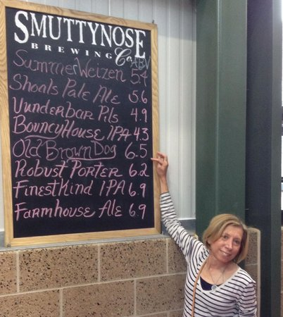Smuttynose Brewing: Nice selection after the tour