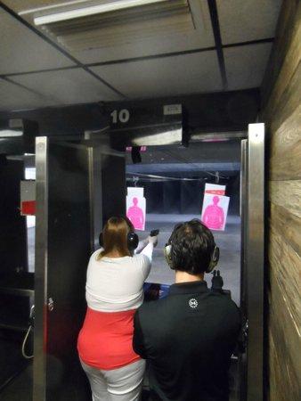 machine gun vegas review