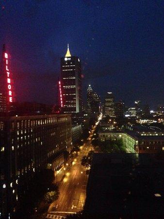 Renaissance Atlanta Midtown Hotel: Vista notturna
