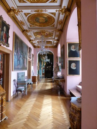 Frederiksborg Castle: inside hallway