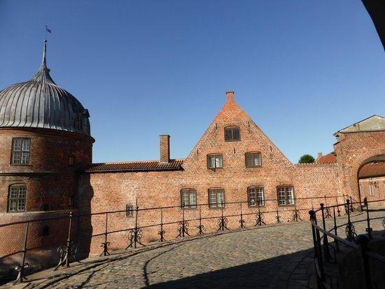 Frederiksborg Castle: outside