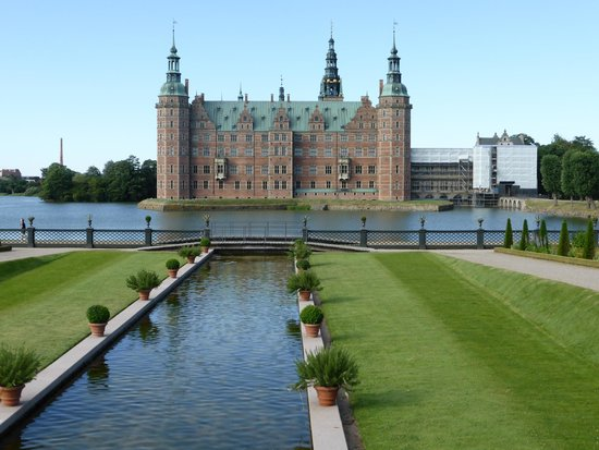 Frederiksborg Castle: another view from gardens