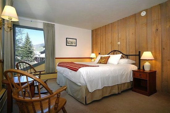 Cristiana Guesthaus: King bed room