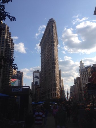 Flatiron Building: Evening stroll back to the hotel and stumbled on this.
