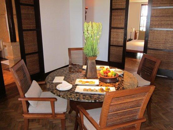 The Legian Bali: Dining room