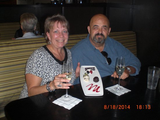 Cooper's Hawk Winery & Restaurants: Our 35th wedding anniversary at Cooper's Hawk- great choice on our part!!