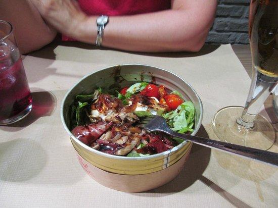 La Tita Rivera: Salade avec chèvre chaud