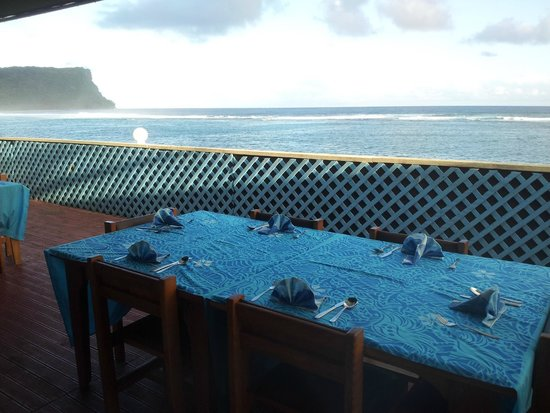 Litia Sini Beach Resort : View from the deck of the dinning fale