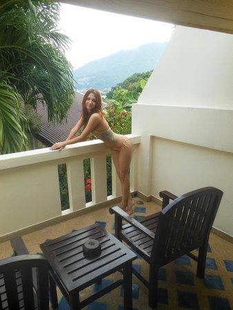 Orchidacea Resort: У нас вид с балкона был закрытый, одна зелень)