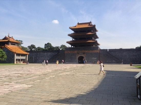 Shenyang Zhaoling Mausoleum: tomb