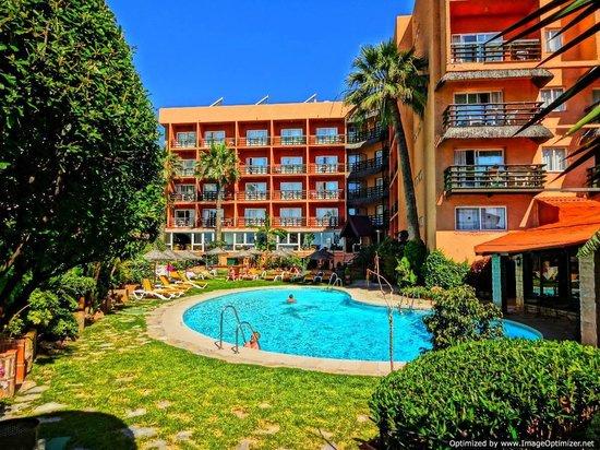 Hotel Tropicana: Pool Area