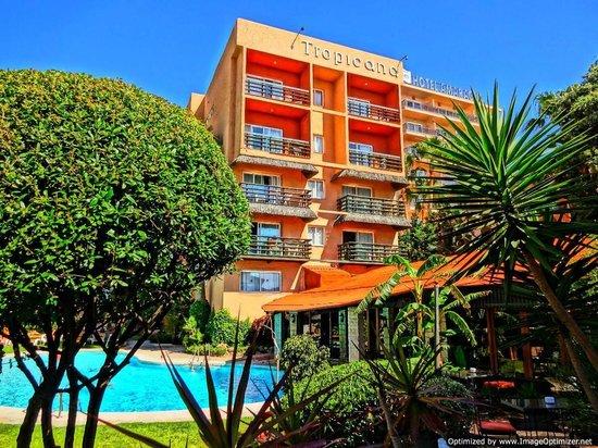 Hotel Tropicana: Pool Garden Area