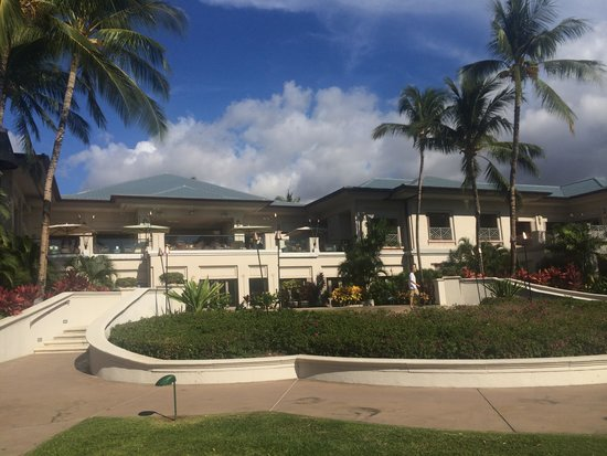 Fairmont Orchid, Hawaii : Rear view of lobby