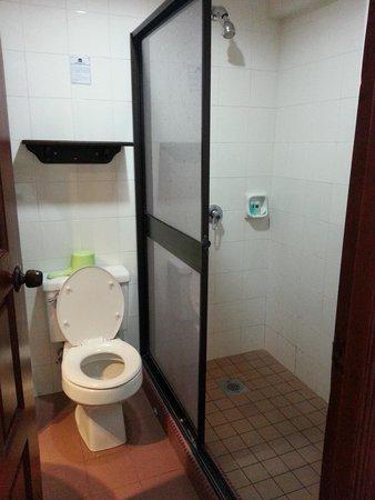 Kinabalu Daya Hotel: Deluxe room