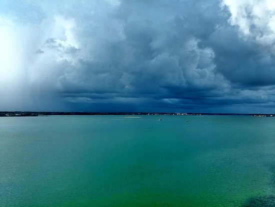 Clearwater Beach Marriott Suites on Sand Key: just a little storm