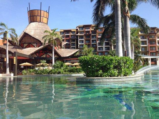 Villa del Palmar Cancun Beach Resort & Spa: A view from the pool