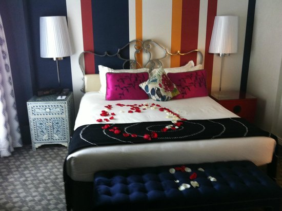 The Marker San Francisco: King Suite with rose petals