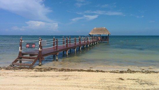 Azul Beach Resort Sensatori Mexico : the never open dock