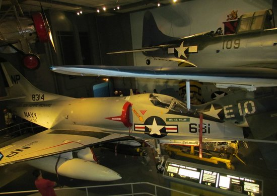National Air and Space Museum : Navy Fighters