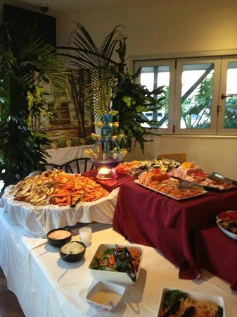 Blackwater Hotel Motel: First Friday Seafood Buffet