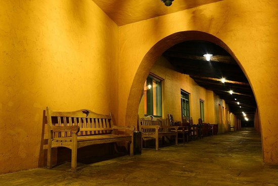 La Posada Hotel : Veranda on the back of the hotel dining room is perfect for train watching.