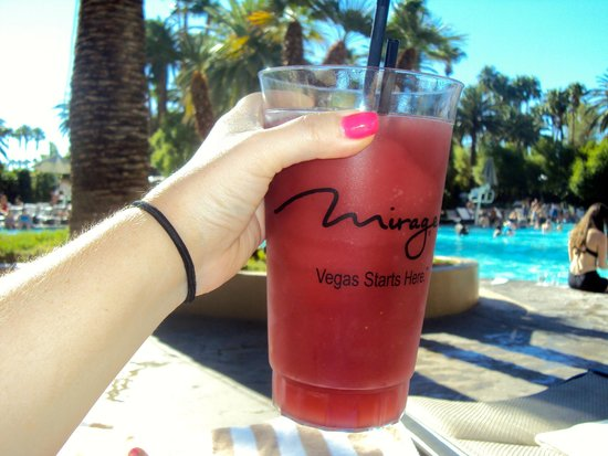 The Mirage Hotel & Casino: Pool drinks