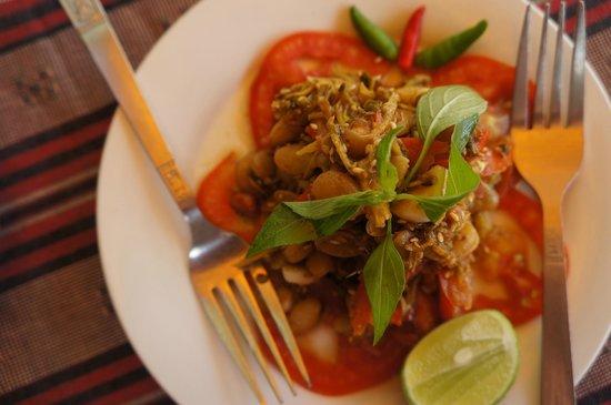 Weather Spoon's Bagan Restaurant and Bar : 茶叶沙拉