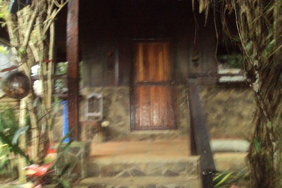 Princesa de la Luna Eco Lodge: Pineapple Cabin w/ 3 Bedroom, kitchen, bath and more